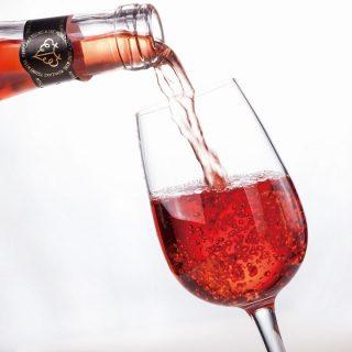 gr_都農ワイン注ぎ